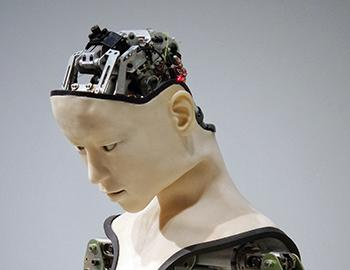Human-like robot with artificial intelligence